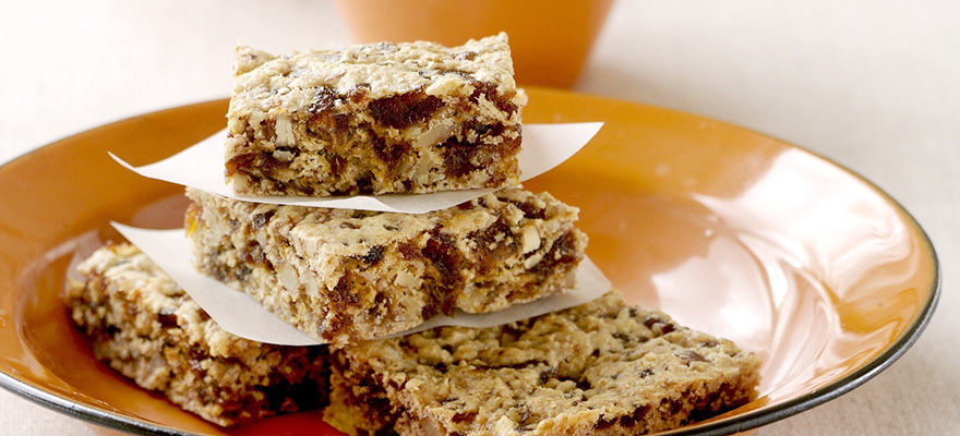Date and nut slice