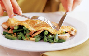 Green bean and mushroom omelette