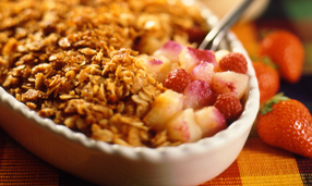 Apple raspberry crumble