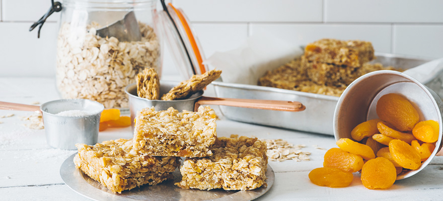 Weet-Bix and apricot bar
