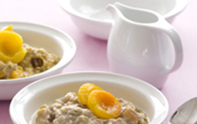 Vanilla apricot and date porridge